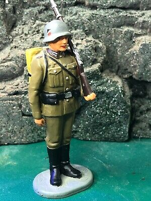 Made By HMB Figure. Of WW2 Period. Soldier At March With Rifle On Shoulder • 48.50£