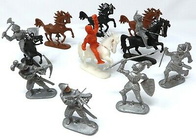 Vintage Jean Hoefler Knights And Horses. Made In West Germany.  • 14.99£