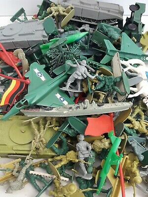 Job Lot Of Vintage Plastic Toy Soldiers Horses Tanks Boats Trees • 2.99£