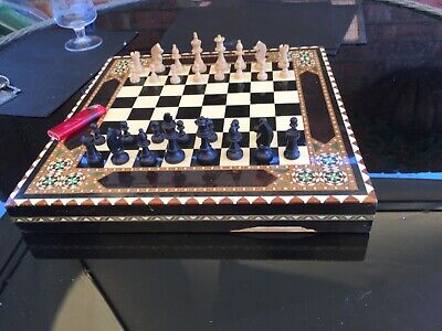 Vintage Chess Set - Wood Board -wood Pieces - Complete USED • 29£