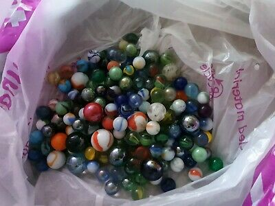 Marbles Over 200 All Colours And Sizes  • 10£