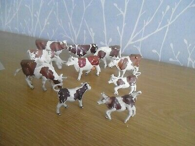 Plastic Toy Farm Animals   Britains  Brown And White Cow Herd • 5.99£