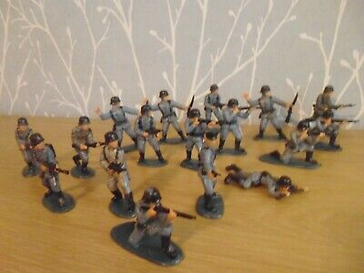 Plastic Toy Soldiers 1/32 Matchbox German Army • 12£