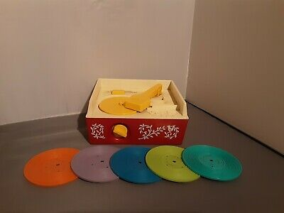 VINTAGE FISHER PRICE RECORD PLAYER, Wind Up In Working Order With 5 Records • 6.60£