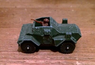 Scout  Armourd Car        Die-cast,,,,,,,,uk  Army   • 4£