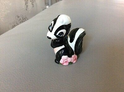 """Disney China Skunk With Pink Flower Rare Colours """"158"""" • 6.99£"""