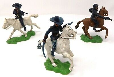 Vintage Crescent 7th Cavalry And Union ACW Mounted 54mm Toy Soldiers. • 9.99£