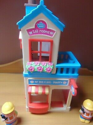 Fisher Price Little People Mr Buns  And Sons Bakers + 2 Figures • 2£