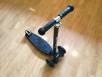 Maxi Micro Scooter Classic Black (5-12yrs) Good Condition • 50£