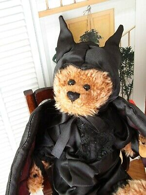 TY Vlad The Vampire Bat Bear - Mint With Tags  • 5.99£