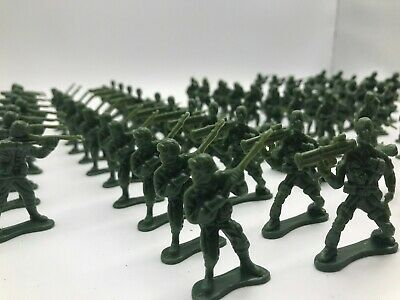 UK Supply 100x Military Plastic Toy WW2 5cm Soldier Army Men Figure Model VE Day • 6.99£