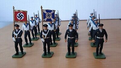 German WW2 Navy U-boat Kreigsmarine 16 Toy Soldiers  • 135£