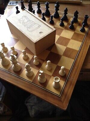 Vintage Wooden Chess Set In Original Box • 8£