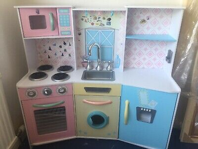 Large Play Kitchen • 50£