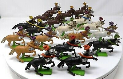 Vintage BRITAINS DEETAIL HORSES For KNIGHTS. Job Lot. VGC. • 24.99£