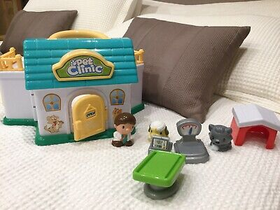 Pet Clinic Carry Along Play Set Aged 3 Years + • 3£