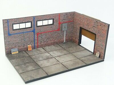 Diorama Model Kit In Scale 1:18 Display For Die Cast Car Models Brick Garage NEW • 160.10£