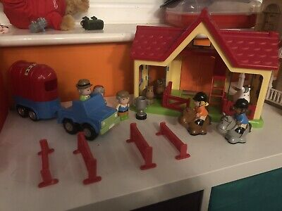 Happyland Stables • 4.95£