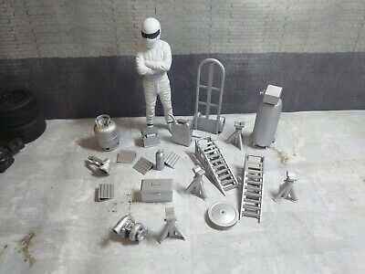 1/18 Scale Garage Diorama Job Lot 22pcs UNPAINTED • 14£
