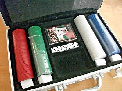 Poker Carry Case With Chips, Die & Cardinal's Playing Cards - Texas Hold'em • 10.45£
