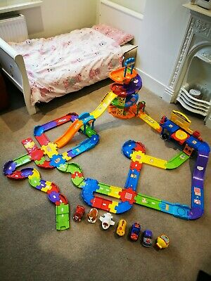 Vtech Toot Toot Garage Cars And Character Bundle • 10.50£