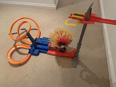 Hot Wheels Sky Jumper Track Set With Battery Power Launcher  • 30£