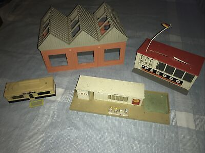 1960s Triang Minic Motorways Goods Shed/Filling Station/Racing Pits Job Lot • 29£