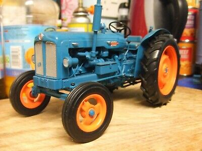 Universal Hobbies Fordson Power Major 1/16th Scale Tractor • 50£
