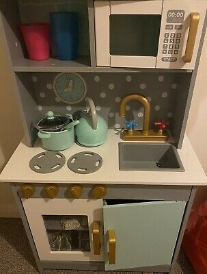 Child Play Kitchen • 18£
