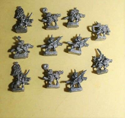 Warmaster- Orcs And Goblines - 11x  Goblin Wolf Riders • 11.95£