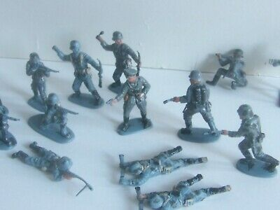 11 Lone Star Or Charbens ? World War 2 German Infantry Toy Soldiers 1/32 1 Capt • 14.99£