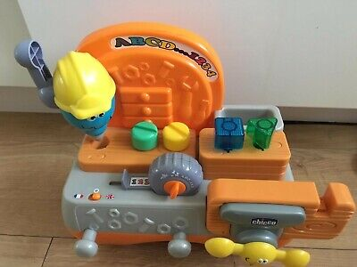 Chicco Talking Carpenter Set In English And French. • 11.99£