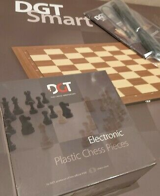 Smart Chess Board: DGT Plastic Electronic Chess Board And Pieces. LIVE-ONLINE • 235£