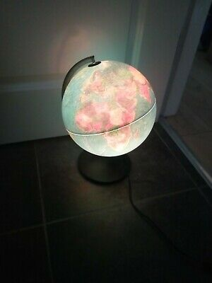 Light Up Globe Excellent Condition • 15£