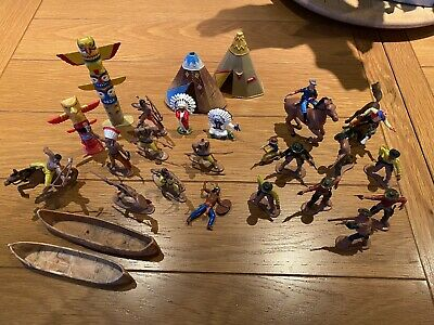 Cowboys And Indians Figures • 7£