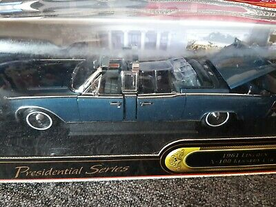 *NEW* Road Signature PRESIDENTIAL SERIES *1961 LINCOLN X-100 KENNEDY CAR*  1:24  • 25£