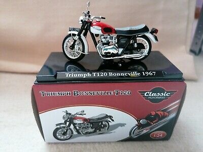 Atlas Editions - Triumph Bonneville T120 1967 Motorcycle Model - 1/24 Scale  • 6£