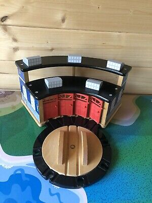 Wooden BRIO Thomas The Tank Engine - Engine Sheds + Turntable - Trains ELC • 22£