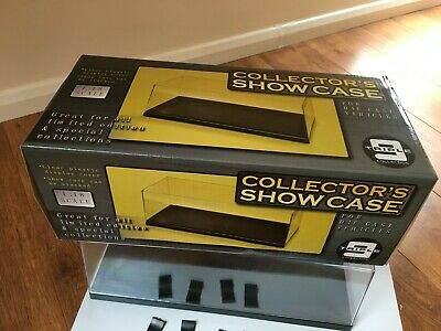 Triple 9 1:18 Collector's Show Case • 12£