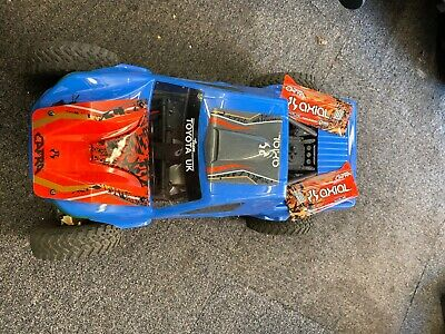 Axial Capra With Hilux Body And Original Panels • 425£