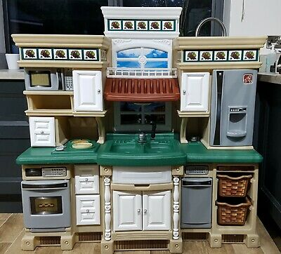 Step 2  Lifestyle Large Childrens Play Kitchen. • 75£