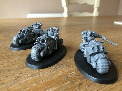 Warhammer 40k Space Marines Outriders • 16£