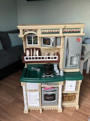 Childs Play Kitchen • 60£