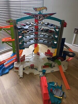 Hot Wheels Ultimate Garage (original Version.) With Sounds. Cars Fun Play Toys • 29£