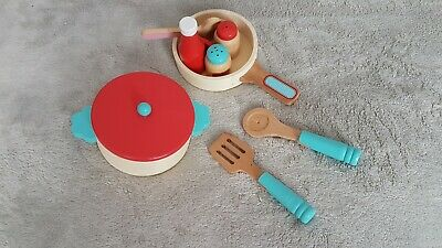 Wooden Play Food • 3£