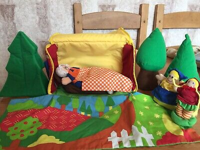 Little Red Riding Hood Playset With Cottage, Figures, Bed And Cover, Trees Etc • 8£