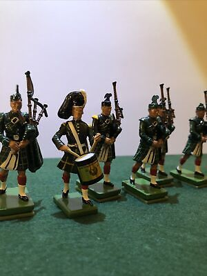 Britains Pipers And Drumer Metal Soldiers • 25£