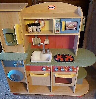Little Tikes Premium Cooking Creations Wood Kitchen With Accesories • 45£