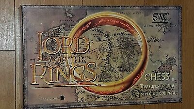 Lord Of The Rings Chess Set • 99£