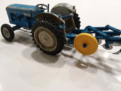 Britains Fordson New Performance Major  Tractor  With Plough • 69£